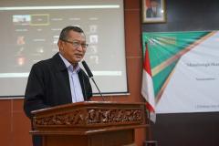 Sambutan sekaligus pembukaan oleh Wakil Rektor Bidang Akademik, Kemahasiswaan dan Alumni Dr. Suryono Efendi, S.E., M.B.A., M.M.