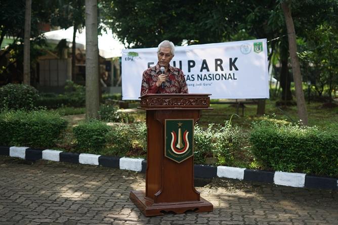 Guru Besar Universitas Nasional Prof. Dr. Endang Sukara, Ph.D. saat memberikan sambutan dalam acara Soft Launching Edu Park Universitas Nasional di Kampus UNAS Pejaten pada Sabtu, 5 Juni 2021
