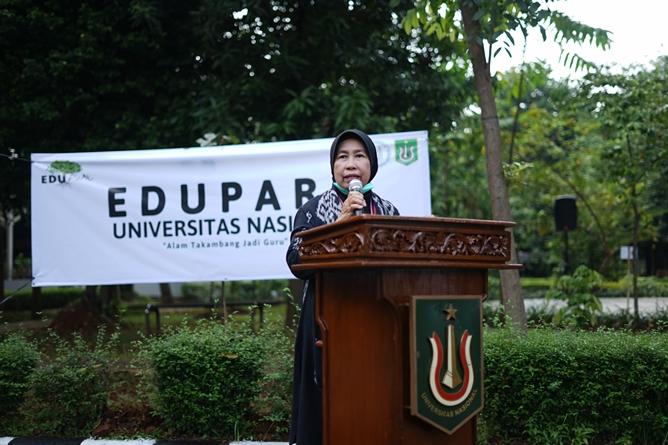 Wakil Rektor Bidang Penelitian, Pengabdian Kepada Masyarakat dan Kerja Sama Prof. Dr. Ernawati Sinaga, M.S., Apt. saat memberikan sambutan dalam acara Soft Launching Edu Park Universitas Nasional di Kampus UNAS Pejaten pada Sabtu, 5 Juni 2021