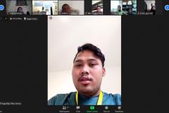 """Mahasiswa Fikes saat menjelaskan pengalamannya dalam menangani pasien covid-19 dalam kegiatan meeting virtual """"Audiensi dan Silaturahmi"""" di Jakarta, Kamis, (28/5)."""