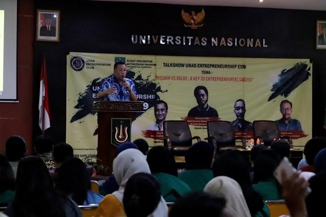 Pembukaan Talkshow Entrepreunership Expo 2019 oleh Wakil Rektor Bidang Kemahasiswaan Dr. Drs. Zainul Djumadin, M.Si