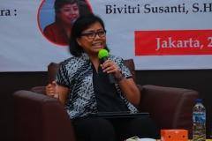 Pakar Hukum Tata Negara Bivitri Susanti, S.H., LL.M.  saat mengisi kuliah umum
