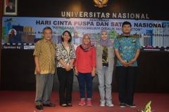 foto bersama Dekan Fakultas Biologi dan para narasumber yang hadir dalam kegiatan menyambut hari cinta puspa dan satwa