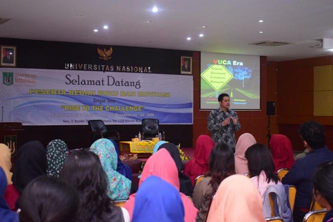 Fakultas Ekonomi Gelar Bedah Buku & Motivasi (12)
