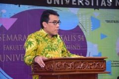 Fakultas Ekonomi Gelar Seminar Digitalisasi Ekonomi Menghadapi Revolusi Industri 4.0 (6)