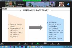 Pemaparan materi oleh Narasumber yang juga Co-Founder Terpadu Alviani Sabillah dalam  acara Webinar Advokasi dan Jurnalistik pada Rabu, 13 Oktober 2021 melalui zoom meeting
