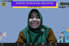 Dosen Fakultas Pertanian UNAS Asmah Yani, M.Si. saat memoderatori acara Webinar Advokasi dan Jurnalistik pada Rabu, 13 Oktober 2021 melalui zoom meeting