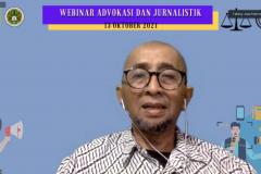 Kepala Laboratorium UNAS TV Asep Rakhmat Iskandar, S.H., M.H. saat memaparkan materinya dalam  acara Webinar Advokasi dan Jurnalistik pada Rabu, 13 Oktober 2021 melalui zoom meeting