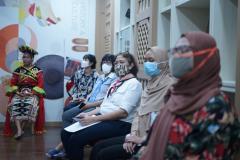Seluruh tamu undangan yang hadir dalam kegiatan Upacara Penandatanganan Nota Kerja Sama antara Fakultas Bahasa dan Sastra UNAS dengan Hankuk University Of Foreign Studies Korea, pada Jum'at 16 April 2021 di Ruang Korean Culture Center UNAS