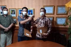Penandatanganan MoU FEB UNAS dengan Industri Event Indonesia (IVENDO) yang menyepakati kerjasama dalam pengembangan & pendampingan sumberdaya
