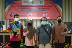 """Foto bersama kegiatan Focus Group Discussion dan Peluncuran Buku """"Arung Maritim Indonesia dalam Gejolak Ombak Globalisasi"""" kerjasama antara Prodi Hubungan Internasional dengan Bank BNI pada hari Selasa, 30 Maret 2021 di Menara UNAS"""