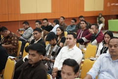para peserta seminar saat mengikuti acara