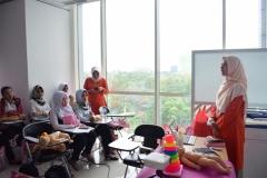 FIKES adakan Training Baby Spa & Massage Untuk bidan (2)