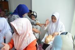 FIKES adakan Training Baby Spa & Massage Untuk bidan (8)