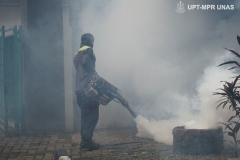 Kondisi saat pemfoggingan berlangsung di area luar Pusat Laboratorium UNAS pada Sabtu (21/3)