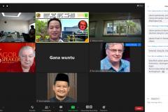 Mike-Nicholson-dari-Agora-Speaker-International-dan-Indonesia-Heritage-Society.-Sementar-dari-Pemda-Karanganyar-hadir-Gana-Wuntu-dan-Birrul-Walidain