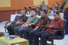 Warek Bidang Kemahasiswaan Dr. Zainul Djumadin, M.Si. dengan Dekan FTS Basori, S.T., M.T. dan Narasumber