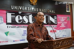 Dekan FISIP Dr. Zulkarnain, S.I.P., M.Si. memberikan kata sambutan pada acara Fest Fun 2019 (Festival Film Universitas Nasional 2019), di Auditorium blok 1 lantai 4 Unas pada Senin, 28 Oktober 2019