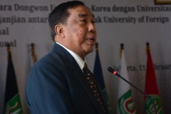 Ketua Yayasan YMIK Dr. Ramlan Siregar saat memberikan sambutan