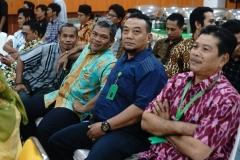 "Para staff UNAS pada acara Halal bi halal Yayasan Memajukan Ilmu dan Kebudayaan (YMIK) ""Merajut Ukhuwwah Di Tengah Pluralisme Ummat"". Di Auditorium blok 1 lantai 4 UNAS, Senin (17/6)"