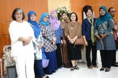 Segenap dosen dan staff UNAS