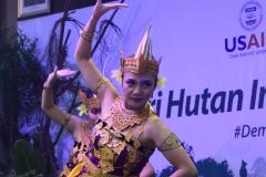 Pagelaran Tari dalam acara memperingati hari hutan internasional,  di Auditorium, blok 1 lantai 4 UNAS, Senin (25/3).