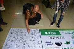 dukungan tanda tangan untuk hari sampah nasional