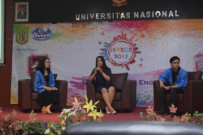 penyampaian materi oleh alumni HI berprestasi