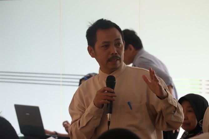 Kepala Pusat Pengajian Islam Dr. Drs. Fachruddin Majeri Mangunjaya, M.Si