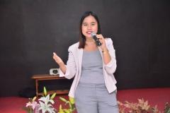Moderator acara Hubungan Internasional