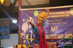 Penampilan tari tradisional (2)