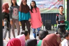 Himpunan Mahasiswa Ilmu Komunikasi Universitas Nasional (HIMAKOM UNAS) melangsungkan kegiatan Pengabdian Kepada Masyarakat (PKM), di Ruang Publik Terpadu Ramah Anak (RPTRA) Malinjo (11)