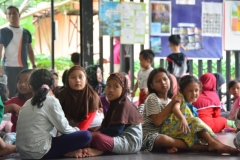 Himpunan Mahasiswa Ilmu Komunikasi Universitas Nasional (HIMAKOM UNAS) melangsungkan kegiatan Pengabdian Kepada Masyarakat (PKM), di Ruang Publik Terpadu Ramah Anak (RPTRA) Malinjo (1)