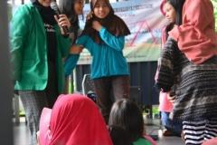 Himpunan Mahasiswa Ilmu Komunikasi Universitas Nasional (HIMAKOM UNAS) melangsungkan kegiatan Pengabdian Kepada Masyarakat (PKM), di Ruang Publik Terpadu Ramah Anak (RPTRA) Malinjo (10)