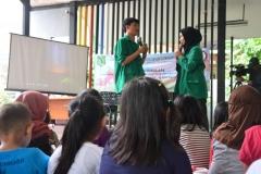 Himpunan Mahasiswa Ilmu Komunikasi Universitas Nasional (HIMAKOM UNAS) melangsungkan kegiatan Pengabdian Kepada Masyarakat (PKM), di Ruang Publik Terpadu Ramah Anak (RPTRA) Malinjo (6)