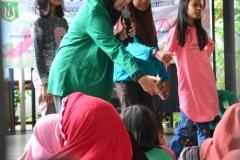Himpunan Mahasiswa Ilmu Komunikasi Universitas Nasional (HIMAKOM UNAS) melangsungkan kegiatan Pengabdian Kepada Masyarakat (PKM), di Ruang Publik Terpadu Ramah Anak (RPTRA) Malinjo (9)