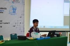 Himpunan Mahasiswa Teknik Informatika Gelar Workshop Kreatif dan Inovatif Robotik (4)