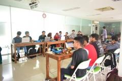 Himpunan Mahasiswa Teknik Informatika Gelar Workshop Kreatif dan Inovatif Robotik (9)