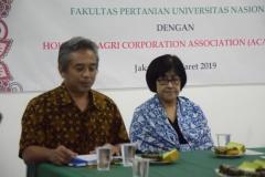 Dekan Fakultas Pertanian Ir. Inkorena G.S. Sukartono, M.Agr dan Kepala KKI Inez Sapteno