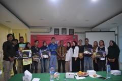 Foto-Bersama-Dengan-Pemenang-Lomba-Karya-Foto-Poster-dan-Film-Pendek-HUT-AP-ke-21