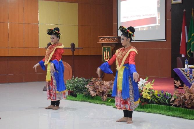 Ikatan Lembaga Mahasiswa Ilmu Keperawatan Indonesia (ILMIKI) melangsungkan diskusi Undang-Undang dan Praktik Keperawatan (25)