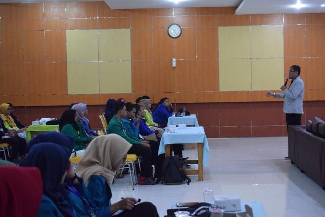 Ikatan Lembaga Mahasiswa Ilmu Keperawatan Indonesia (ILMIKI) melangsungkan diskusi Undang-Undang dan Praktik Keperawatan (27)