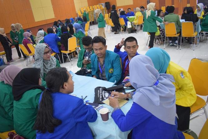 Ikatan Lembaga Mahasiswa Ilmu Keperawatan Indonesia (ILMIKI) melangsungkan diskusi Undang-Undang dan Praktik Keperawatan (35)