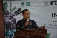 Dekan Fakultas Biologi Universitas Jenderal Sudirman Prof. Dr. Imam Widhiono MZ