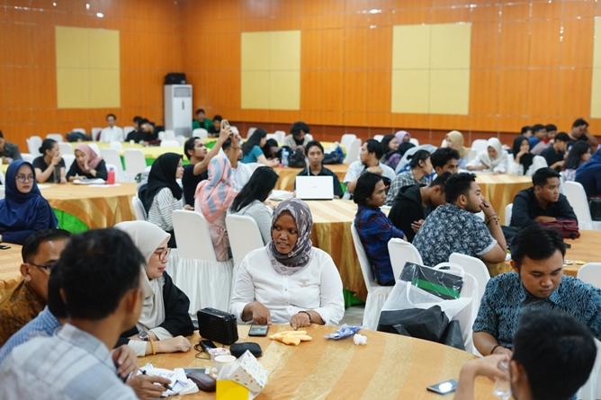 Suasana International Conference on Social Politics di Aula UNAS