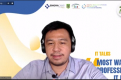 CO-Founder dan COO Enigma Camp Roy Kumowal pemateri kegiatan IT Talks : Most Wanted Profession in IT Field kerjasama antara ICT Research Center dengan Enigma Camp pada Kamis, 7 Oktober 2021