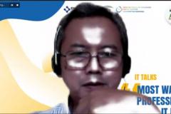Ketua Unit Kerjasama dan Implementasi FTKI UNAS Sigit Wijanarko moderator kegiatan IT Talks : Most Wanted Profession in IT Field kerjasama antara ICT Research Center dengan Enigma Camp pada Kamis, 7 Oktober 2021