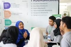 Antusias Pengunjung di stand UNAS
