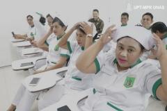 pemakaian-topi-perawat