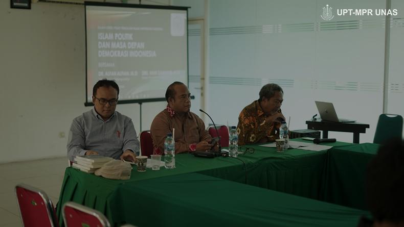 para-pembicara-dan-moderator-dalam-kajian-series-pusat-pengajian-islam-unas-1